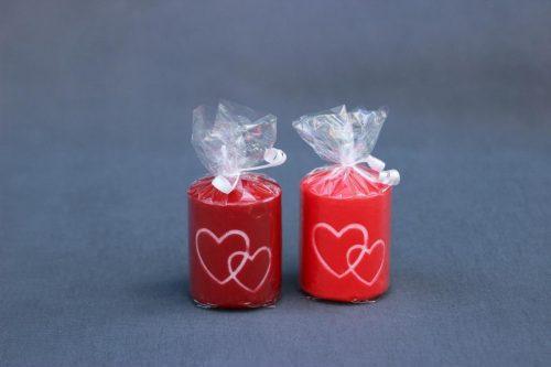 Žvakė cilindras dekoruotas širdutėmis