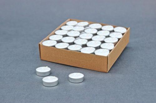 žvake metale / tabletės / arbatinės žvakės, dega 4 val., pakuotėje 100 vnt arba 1000 vnt.