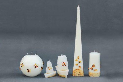 Žvakė dekoruotos natūraliu gintaru, tinka dovanoms, reprezentaciniams vizitams, svečiams iš užsienio.
