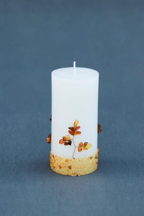 "Žvakė ""Cilindras"" 70/150 G dekoruota gintaru."